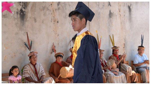 200 jóvenes de zonas donde no existen colegios culminan su educación secundaria