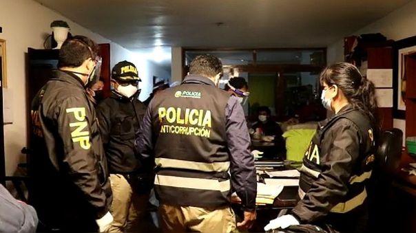 Polic�a desbarata organizaci�n que cobraba hasta 82 mil soles por cama UCI para pacientes con la COV