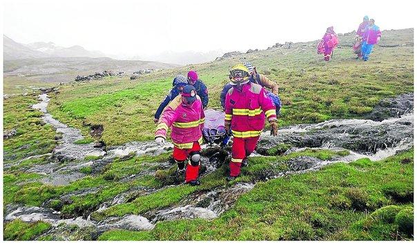 Hallan restos de cuatro miembros de familia ahogada en laguna de Huancavelica
