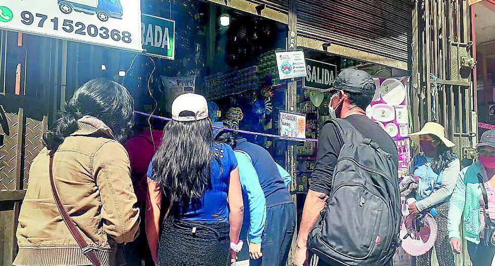 Aglomeraci�n en tiendas de Huancayo por compra de regalos para el D�a del Padre