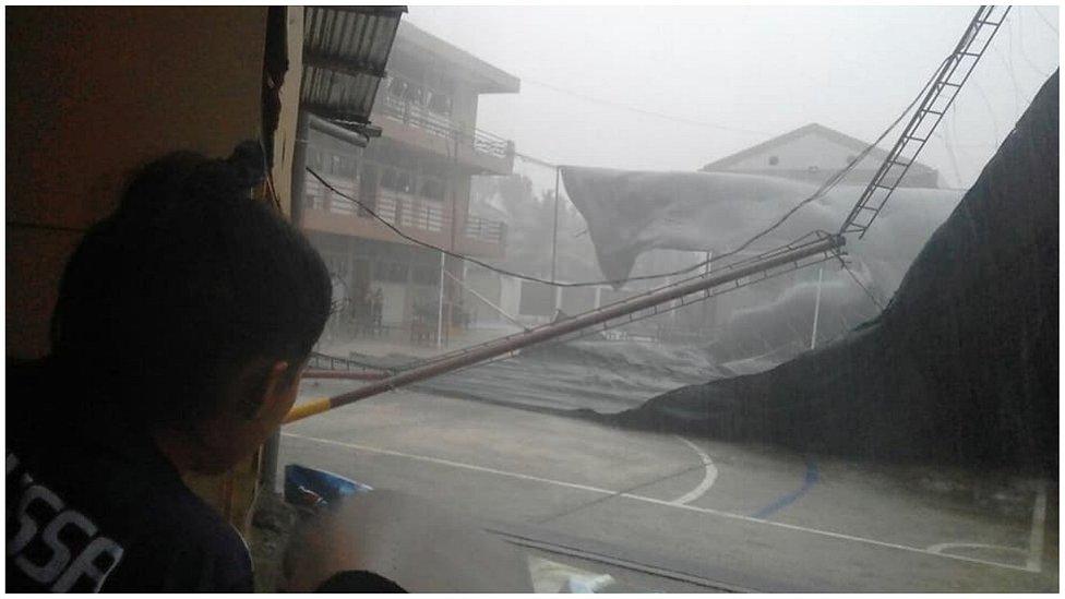 Vientos y lluvias causan daños en decenas de viviendas en la Selva Central