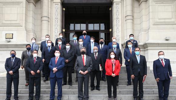 Presidente Sagasti se re�ne con gobernadores y apoya Agenda Jun�n