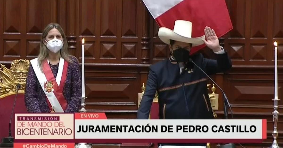 Pedro Castillo:Juro por los pueblos del Per�, por un pa�s sin corrupci�n y por una nueva Constituci�