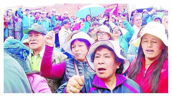 Junín: ?No depositan sueldos a 5600 maestros que están en huelga
