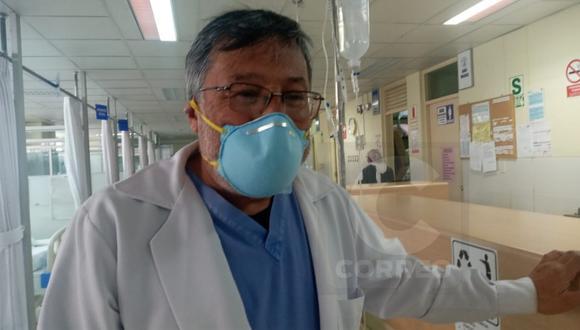 M�dico de 65 a�os que atiende en hospital covid ser� el primer vacunado en Jun�n