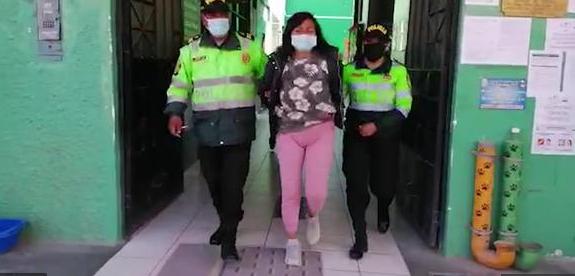 Mujer es detenida en Huancayo por golpear a su beb� de un a�o hasta dejarla grave