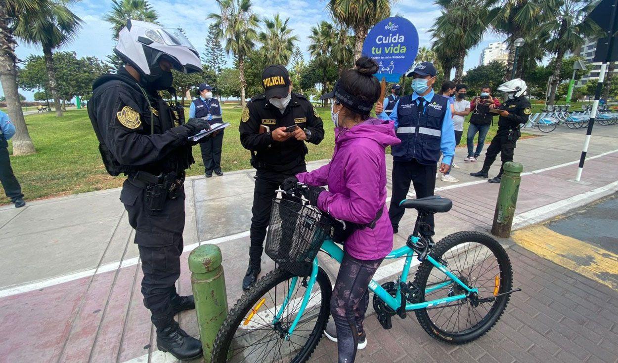 Miraflores: ciclistas y transe�ntes son multados por incumplir cuarentena