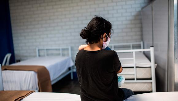 Huancayo: Adolescente de 14 a�os se escapa de su casa para irse a Lima con su enamorado y este la ag