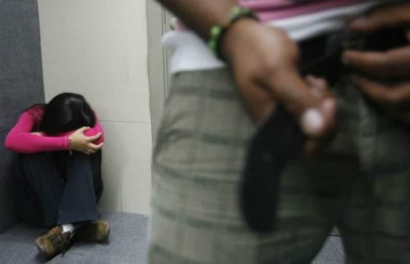 Mujer de 18 a�os conoci� a un sujeto por internet y fue ultrajada en habitaci�n de hotel en Huancayo