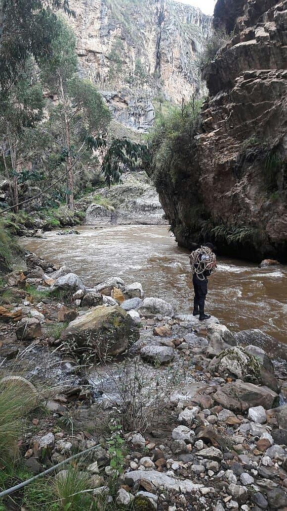Río Ichu arrastra un cadáver. Escuadrón PNP logró avistarlo por Seccsachaca