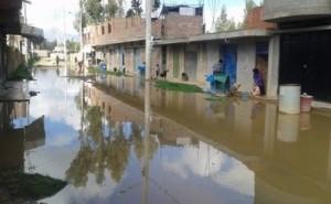 Huancayo: cinco casas inundadas por colapso de desagües en Auquimarca