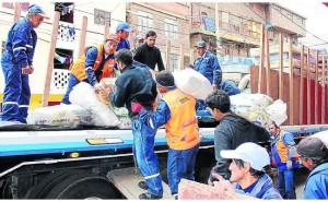Yauli lleva cinco toneladas de alimentos a damnificados
