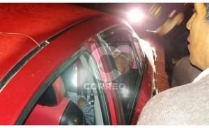 Choro 'monse': detienen a sujeto dormido en auto que robó minutos antes