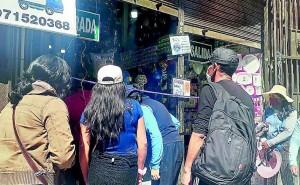 Aglomeración en tiendas de Huancayo por compra de regalos para el Día del Padre
