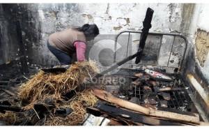 Rayo provoca incendio y deja en cenizas humilde vivienda