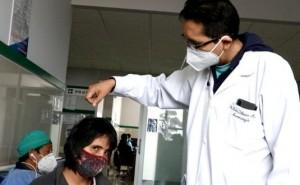Médicos en Huancayo reconstruyen cráneo de mujer que fue atacada con un machete