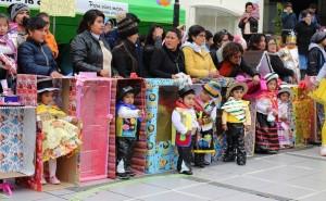 La Oroya: En aniversario de jardín presentan 'muñecas vivientes'