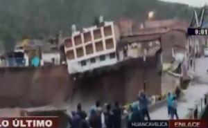Huancavelica: río Sicra se desborda y provoca colapso de hotel