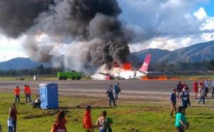 Jauja: Avión se incendia y 141 pasajeros salvan de morir