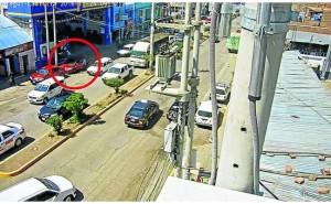 Huancayo:Delincuentes roban moderno auto en solo unos minutos