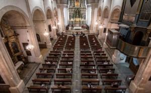 Martin Vizcarra dice que se esta conversando para reabrir las iglesias en Noviembre