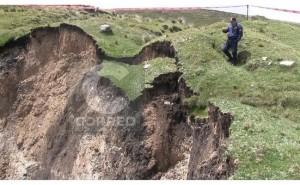 Junín: pánico por agujero que se abre repentinamente en medio de la tierra